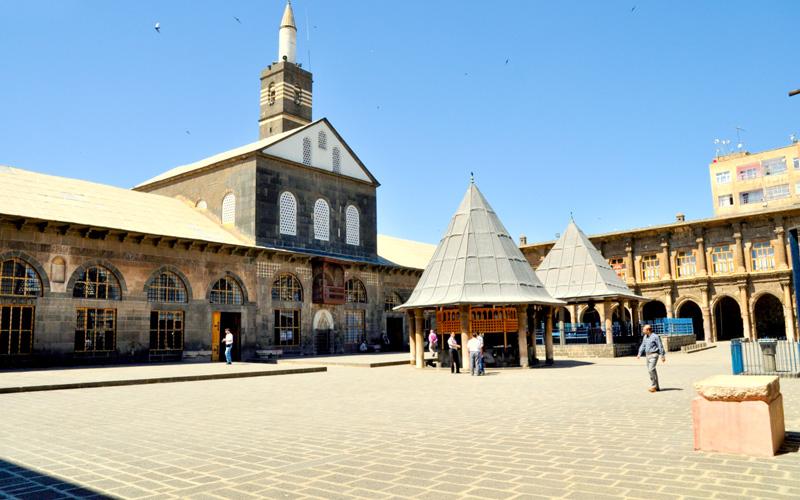 Ulucamii-Diyarbakir