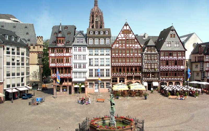 Römerberg Meydanı Frankfurt