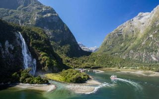 Yeni-Zelanda-Gorulecek-Yerler-Milford-Sound
