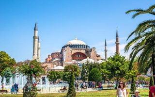 Turkiye-Inanc-Merkezleri-Ayasofya