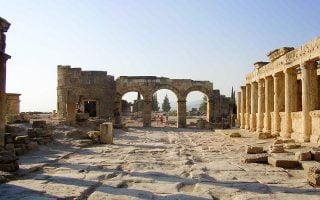 Turkiye-Inanc-Merkezleri-Hierapolis