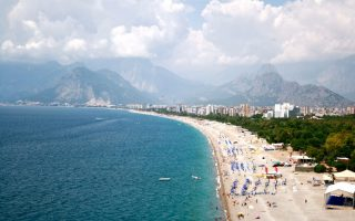 Antalyada-Denize-Girilecek-Yerler